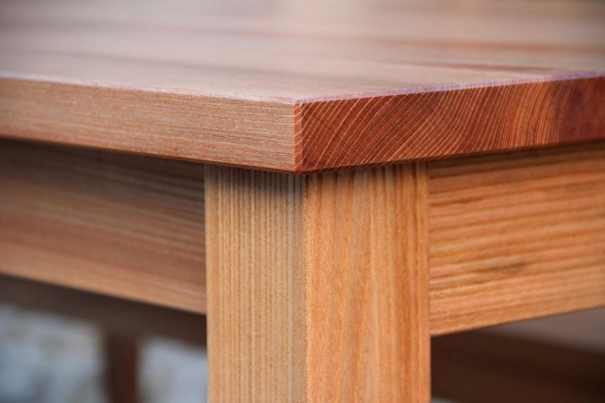 detail hocker aus ulmenholz sinnesmagnet. Black Bedroom Furniture Sets. Home Design Ideas