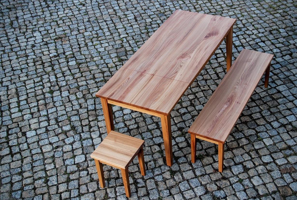 Ausziehbarer tisch aus ulmenholz sinnesmagnet for Couch vom tischler