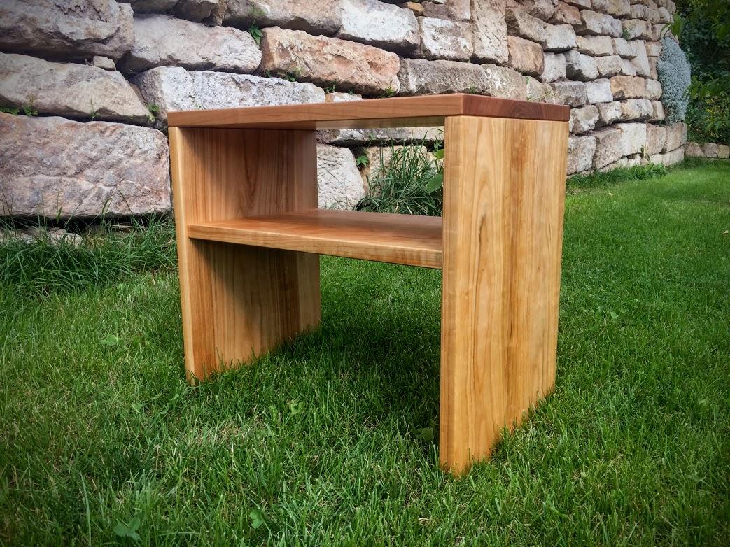 bett nachtisch und hochbett aus massivholz vom tischler. Black Bedroom Furniture Sets. Home Design Ideas