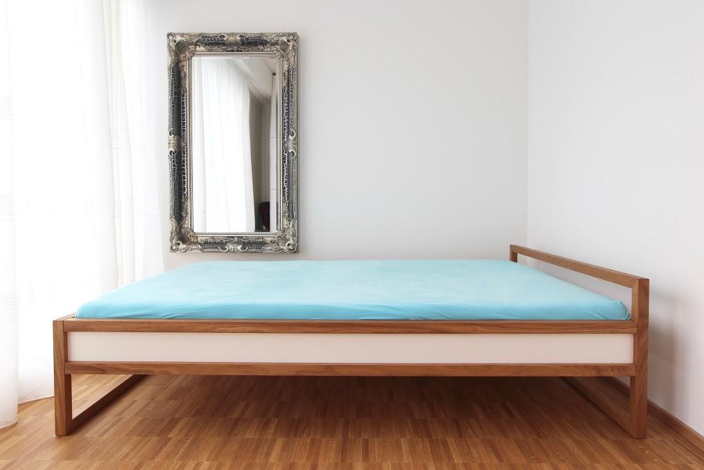 leichtes rahmenbett aus eiche mit wei lackierter f llung sinnesmagnet. Black Bedroom Furniture Sets. Home Design Ideas