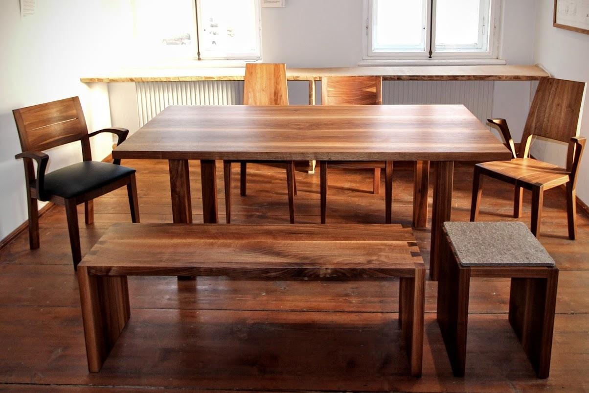 Couchtisch, Tisch, Hocker Und Stuhl: Ihr Möbel Aus Massivholz In Der  Möbeltischlerei Sinnesmagnet Nach Maß Bauen Lassen!