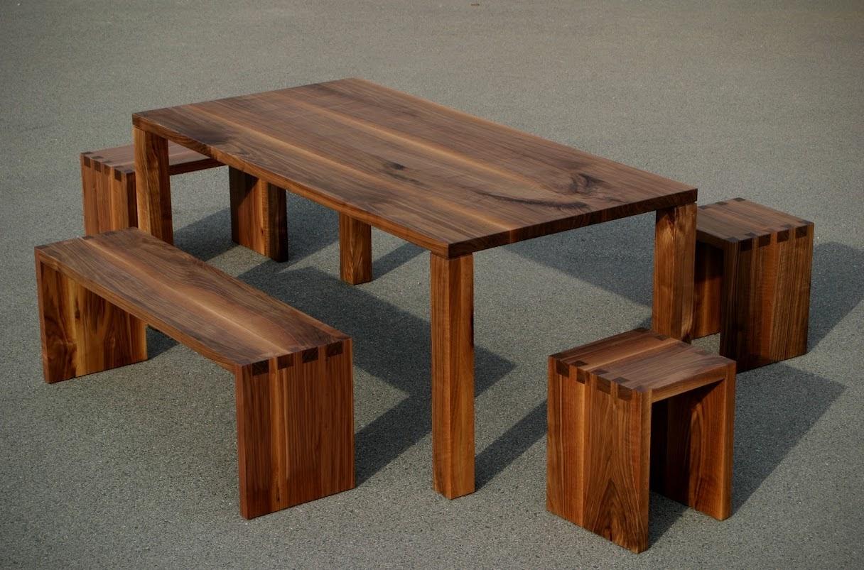 Couchtisch, Tisch, Hocker und Stuhl: Ihr Möbel aus Massivholz in der ...