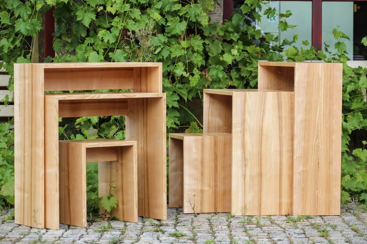 kleines platzsparendes homeoffice aus esche sinnesmagnet. Black Bedroom Furniture Sets. Home Design Ideas