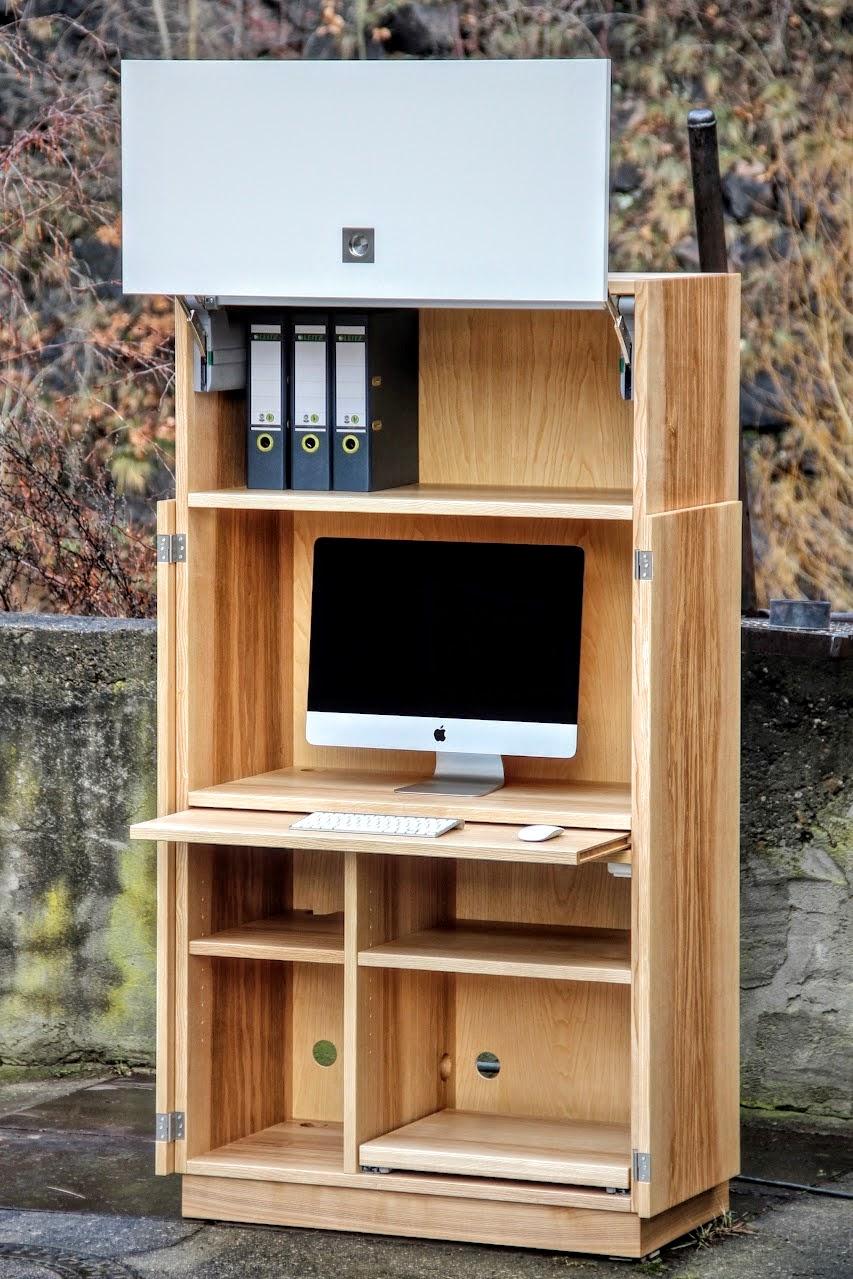 Schreibtisch und Büromöbel aus Massivholz für Praxis, Kanzlei und ...
