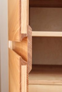Massivholzmöbel Dresden Tischlerei Holz Möbel Radebeul Kleiderschrank nach Maß