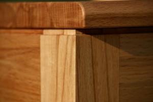 Holzmuster Kernbuche individuelle Maßanfertigung Möbel Dresden
