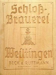 Lasergravur Geschenkidee Jubiläum Geburtstag Massivholz Schrift und Bild in Holz einbrennen lasern Tischlerei Dresden