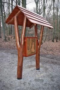 Lehrpfad grünes Klassenzimmer Massivholz Robinie Tischlerei Dresden Natur Erlebnis Pädagogik Spielplatzbau