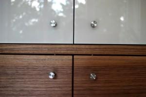 Design Massivholz Möbel Tischlerei Dresden Glas und Nussbaum