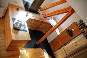 Landhaus Einbau Küche U-Form Dachschräge Massivholz Möbel Tischlerei Dresden Eiche Maßanfertigung vom Tischler