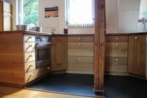 Landhaus Einbau Küche Massivholz Möbel Tischlerei Dresden Eiche massiv Maßanfertigung vom Tischler