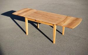 Tisch aus Eiche Massivholz Möbel Tischlerei Dresden Küchentisch