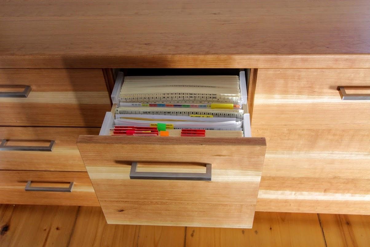 Schublade mit aktensystemeinsatz sinnesmagnet for Schreibtisch kirschholz