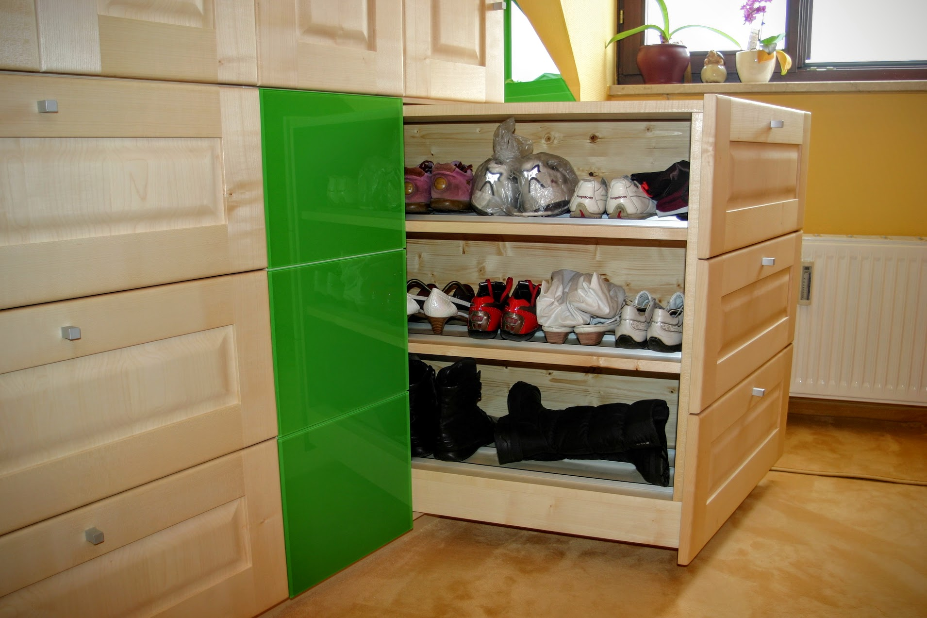 einbaum bel nach ma m bel und garderoben aus massivholz individuell von ihrer m beltischlerei. Black Bedroom Furniture Sets. Home Design Ideas