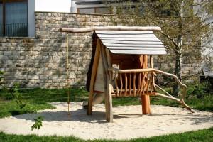 Kindergarten Möbel Tischlerei Sinnesmagnet Baumhaus Kinder Spielplatz Haus Robinie Dresden Edelstahl Rutsche
