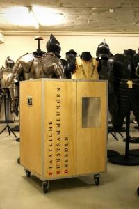 Transportkiste Kunst Ausstellung Event Rollcontainer Holz Werkstatt Dresden