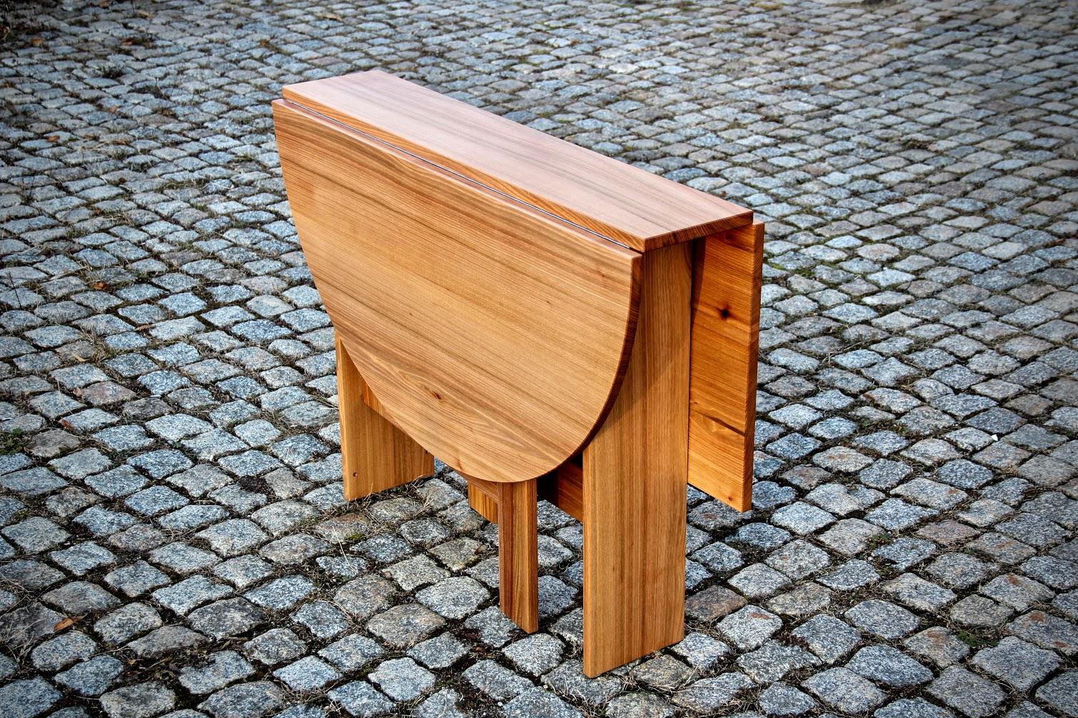 klapptisch aus r ster als tischverl ngerung f r. Black Bedroom Furniture Sets. Home Design Ideas