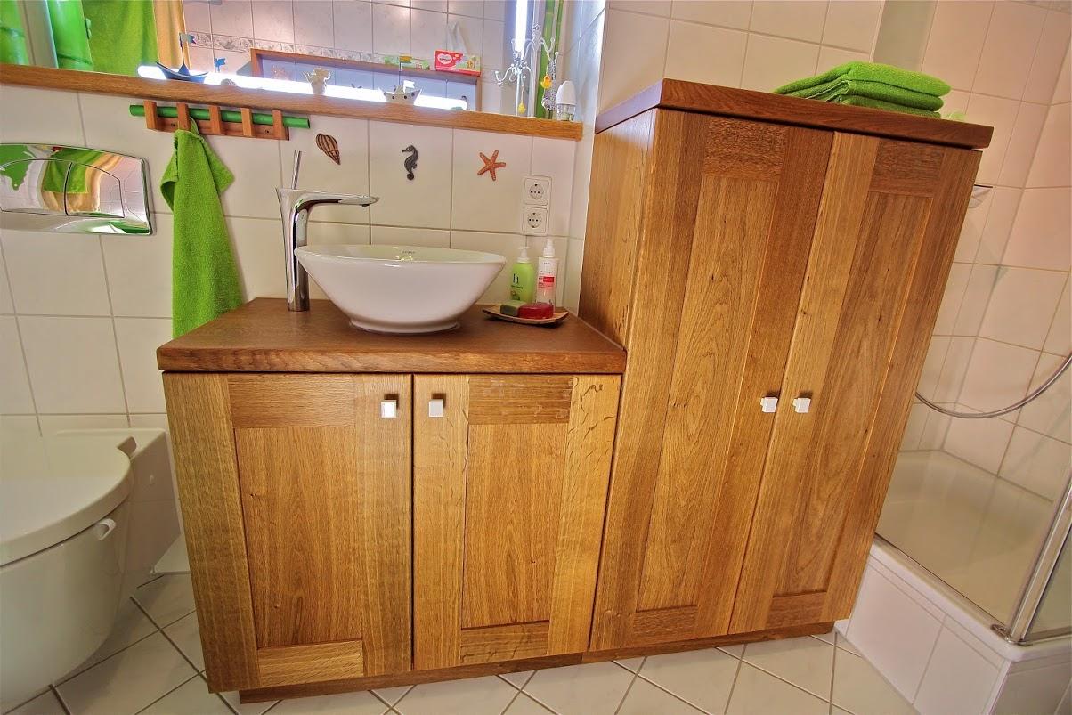 Badmöbel für\'s Badezimmer bauen lassen: Möbel aus Massivholz aus der ...