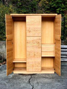 Schrank aus Massivholz Möbel Dresden