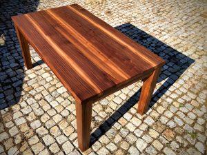 Tisch aus Nussbaum Holz Möbel Tischlerei Dresden
